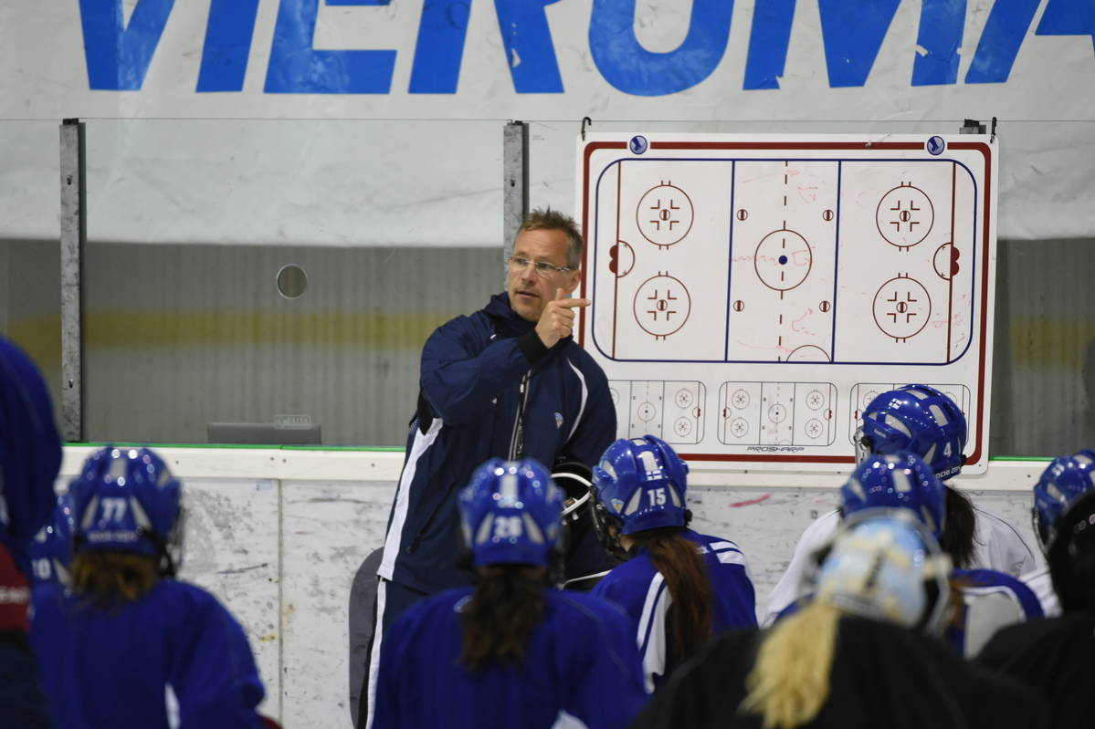 Women's Pro Hockey in Finland Tries to Get More Spotlight